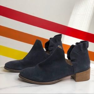 NEW Seychelles ruffle Cutout navy suede booties